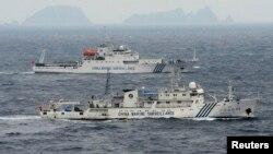 Thiếu tướng La Viện xác định một trong những mối đe dọa cho Trung Quốc là Biển Đông, nơi có nhiều hòn đảo nằm trong vòng tranh chấp với một số nước