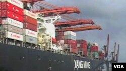Los barcos oceánicos son responsables de más de un 50% de las emisiones en los puertos.