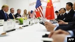 2019年6月29日美国总统特朗普在大阪G20峰会期间与中国国家主席习近平举行双边会谈。