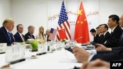 美國總統特朗普在大阪G20峰會期間與中國國家主席習近平舉行雙邊會談(2019年6月29日)。