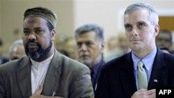 Studentë myslimanë akuzohen për shkelje të së drejtës së fjalës