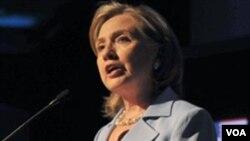 Clinton dijo que la relación que la administración Obama está forjando con Rusia y Georgia es beneficiosa para las ex repúblicas soviéticas.