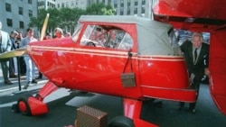 Robert Edison Fulton Jr. with his 1949 Airphibian in New York in 1998.