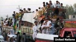در مناطق قبایلی پاکستان صد ها هزار نفر بیجا شده است