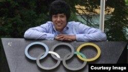 روح الله نیکپا مدال آور المپیک برای افغانستان