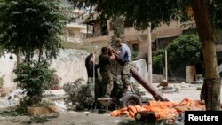 این حمله هوایی در استان ادلب، واقع در شمال غربی سوریه روی داده است.