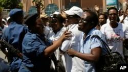 2015年5月10日布隆迪妇女游行示威