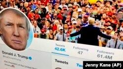 一個電腦屏幕上顯示的特朗普總統的推特賬號。(2019年6月27日)