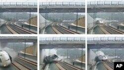 Hình ảnh từ camera an ninh cho thấy vụ tai nạn xe lửa tại Santiago de Compostela, Tây Ban Nha.