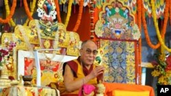 Dalai Lama Concludes Kalachakra Initiation