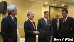 台灣立法院長王金平(左二)率立委李鴻鈞(右一)和邱文彥(左一)訪洛杉磯