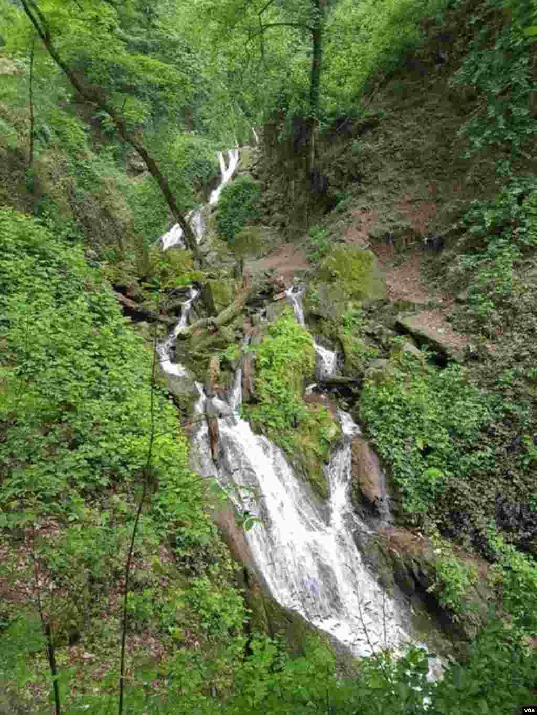 آبشار کبودوال- گرگان عکس: بهزاد میرزایی (ارسالی شما)