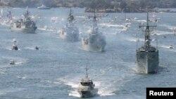 资料照:澳大利亚皇家海军舰队(2013年10月4日)