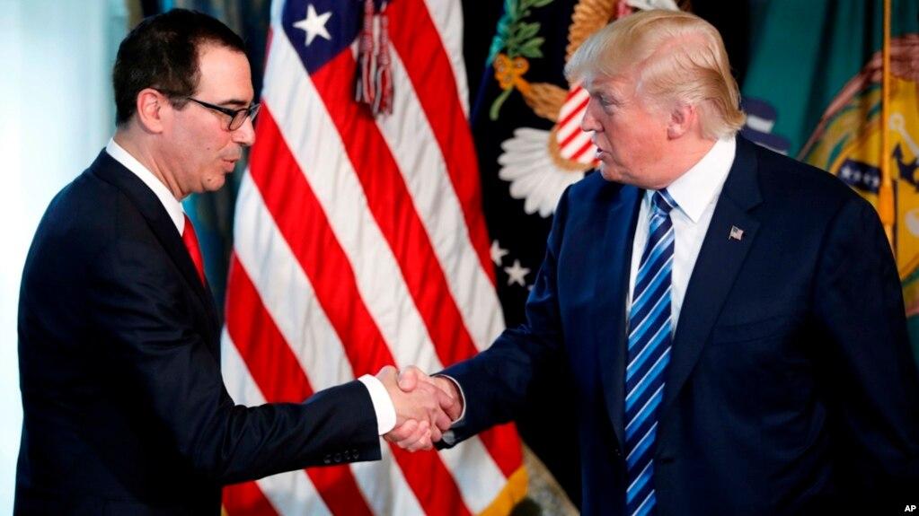 Donald Trump firmó una orden ejecutiva que autoriza al Secretario del Tesoro a iniciar el proceso de la reforma tributaria.