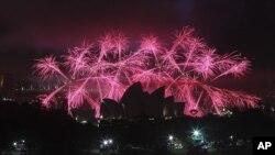 Les feux d'artifices saluant 2013 à Sydney en Australie