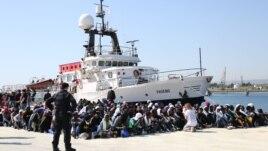 Roja bregdetare italiane shpëton 4200 refugjatë në Mesdhe