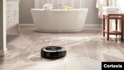 El Scooba y Roomba, diseñados por la compañía iRobot, son dos pequeños robots que facilitan nuestras tareas de limpieza en el hogar.
