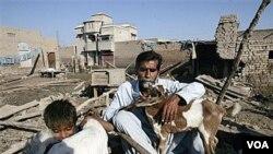 Warga Pakistan belum sepenuhnya pulih dari banjir parah tahun lalu (foto: dok.).