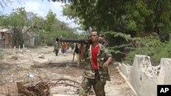 Un soldat loyal au gouvernement de Mogadiscio
