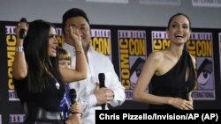 Salma Hayek, Lia McHugh, Don Lee dan Angelina Jolie di acara panel Marvel Studios di Comic-Con International, San Diego (dok: Chris Pizzello/Invision/AP)