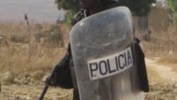 População lincha polícia moçambicano confundido com raptor de albinos - 2:47