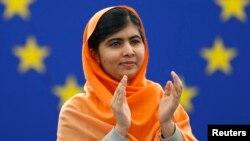 Nữ sinh 16 tuổi ngưoời Pakistan Malala Yousafzai.