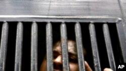Prisões estao superlotadas