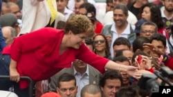 El 47% de los votantes potenciales apoyaría a Rousseff en una segunda ronda y el 43% votaría por Marina Silva, según encuesta.
