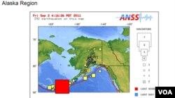 El gráfico del Servicio Geológico muestra en rojo la zona donde se produjo el terremoto y revela la intensa actividad sísmica de los últimos días.