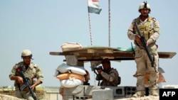 Pasukan Irak disiagakan di selatan Baghdad untuk membendung gerak maju militan ISIS (foto: dok).