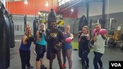 Quando não está a treinar o lutador de boxe Cristiano Ndombassy treina adultos e crianças