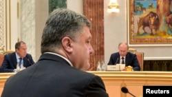 Ukrajinski i ruski predsednici na pregovorima u Minsku, 26. avgust 2014.
