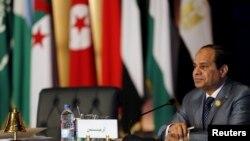 """Ông Sisi nói với các binh sĩ là """"mọi việc đã kiểm soát được chưa đủ. Tình hình hoàn toàn ổn định."""""""