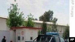 کارمندان شفاخانه ایمرجنسی در لشکرگاه آزاد شدند