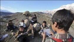 مدرسه یک کلاسه در یکی از روستاهای مسجدسلیمان: مدارسی که در بسیاری از مناطق عشایری دیده می شود
