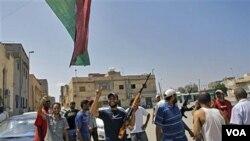 Bantuan operasi militer NATO di Libya dinilai sangat membantu pejuang NTC Libya untuk menjaga keamanan warga sipil (foto:dok).