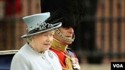 Ratu Inggris, Elizabeth dikabarkan tak luput dari target penyadapan telepon oleh tabloid News of the World.