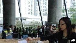 """超過13萬香港市民參與港大民意研究計劃舉辦的"""" 323民間全民投票計劃"""",針對特首選舉發表意見"""