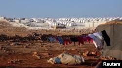İdlib vilayətində Atimah kəndində qaçqın düşərgəsi