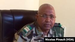 Le général Sidikou Issa, alors chef d'état-major adjoint de l'armée de terre à Diffa, le 1er mars 2016. (VOA/Nicolas Pinault)