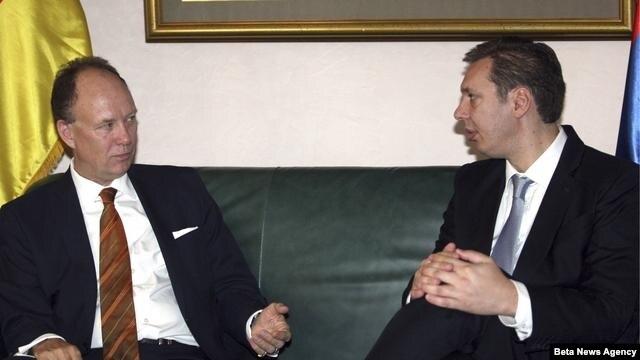 Potpredsednik Vlade Aleksandar Vučić sa šefom Odeljenja za Jugoistocnu Evropu Ministarstva spoljnih poslova Nemacke Nikolausom Lambsdorfom.