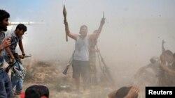 Dos campamentos de ISIS en Libia fueron atacados por bombarderos y drones de EE.UU.
