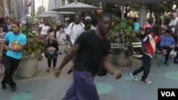 TJ Steele yang lahir dan besar di South Bronx membentuk kelompok Breakatronz, yang menari break dancing di jalan-jalan sibuk kota New York.