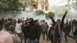 Police, Protesters Keep Up Clashes in Cairo