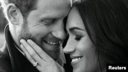 Otra de las fotos del compromiso del príncipe Harry de Gran Bretaña con Meghan Markle.