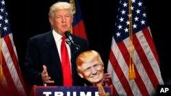 Republican presidential candidate Donald Trump delivers a campaign speech in Charlotte, North Carolina, Aug. 18, 2016.