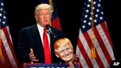 Le candidat présidentiel républicain Donald Trump prononce un discours de campagne à Charlotte, Caroline du Nord, 18 août 2016.