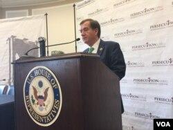 에드 로이스 미 하원 외교위원장이 24일 북한 인권과 종교자유에 대한 관심을 촉구하는 행사에서 연설하고 있다.