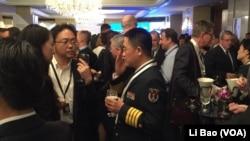 中國軍方官員2017年6月2日出席香格里拉對話會(美國之音黎堡攝)