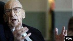 Breuning nació el 21 de septiembre de 1896, en Minnesota. El trabajó durante 50 años para una empresa ferroviaria.